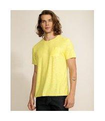 camiseta masculina básica flamê com bolso manga curta gola careca amarelo claro