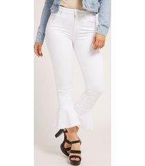 denimowe spodnie fason fit and flare