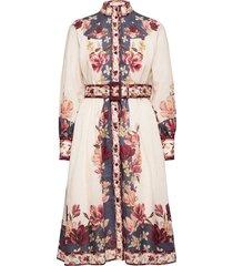 caily dress knälång klänning multi/mönstrad by malina