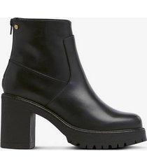 boots heavy heel