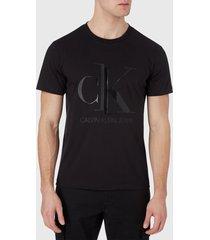 polera calvin klein jeans shiny monogram reg tee negro - calce slim fit