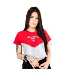 camiseta cropped prison feminina prison new york red