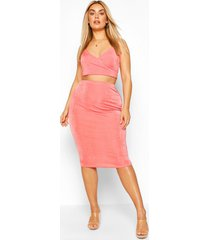 plus wrap front textured slinky skirt & crop top, coral