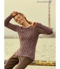 piękny sweter w kolorze ciemnej lawendy