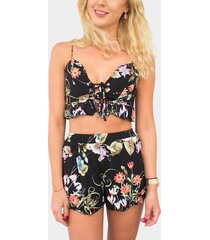 conjunto de top corto con lazo en la parte delantera y pantalones cortos de cintura alta con estampado floral al azar