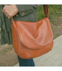 duża brązowa torba damska - listonoszka z klapą