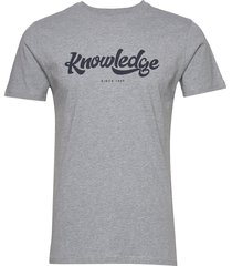 alder big knowledge tee - gots/vega t-shirts short-sleeved grå knowledge cotton apparel