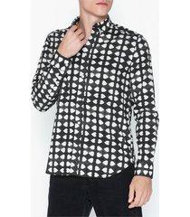 whyred mills dyed heart skjortor black