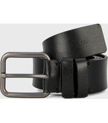 cinturón negro calvin klein
