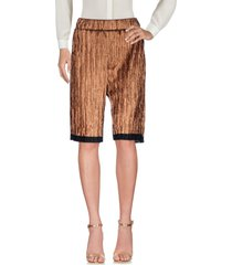 pièce. 3/4-length shorts