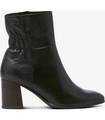 boots med elastiskt skaft