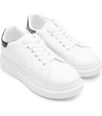 tenis blancos refuerzo negro brillante color blanco, talla 36