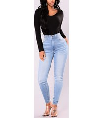 light blue pockets high-waisted jeans