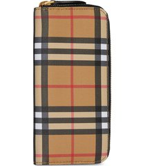 burberry vintage check and leather ziparound wallet - neutrals
