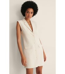 na-kd classic tailored vest dress - offwhite