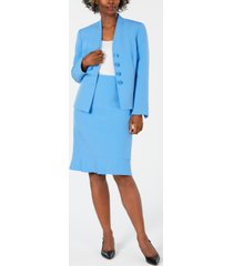 le suit flared skirt suit