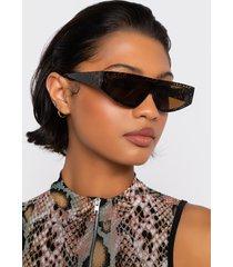 akira sneaky peek trend sunglasses