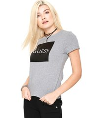camiseta guess quadrado cinza - cinza - feminino - algodã£o - dafiti