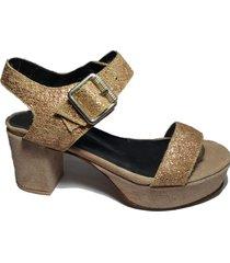 sandalia marrón  avance bs as pura