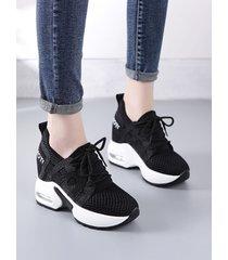 zapatillas con cordones transparentes de malla aumentada