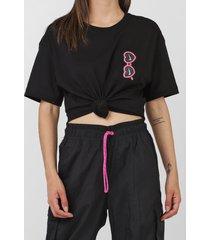 camiseta nike sportswear w nsw tee summer fu preta - kanui