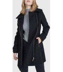 abrigo io  negro - calce regular