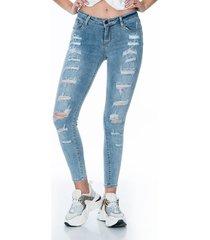 jean mid-rise push up skinny con bolsillos frontales y traseros diseño con desgaste frontal