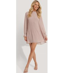 na-kd mini pleated dress - pink