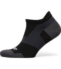 vectr ultralight no show sock ankelstrumpor korta strumpor svart 2xu