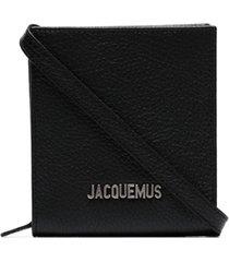 jacquemus bolsa tiracolo de couro com placa de logo - preto