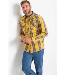 stoer overhemd met een ruitpatroon en klepzakken