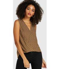 blusa sin mangas con cuello en v geométrico con diseño plisado marrón