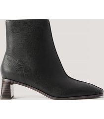 na-kd shoes boots med cylinderklack och fyrkantig tå - black