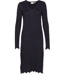 u6872, knitted dress w. nedle drop jurk knielengte blauw saint tropez