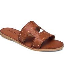 liv studs shoes summer shoes flat sandals brun pavement