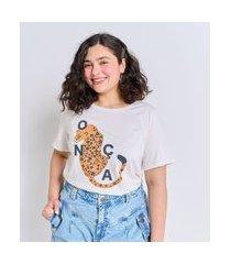 camiseta com estampa localizada curve e plus size branco