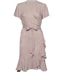 adelia ss wrap dress 12696 jurk knielengte roze samsøe samsøe