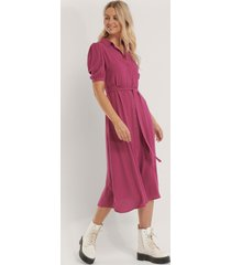 trendyol midiskjortklänning med bälte - purple