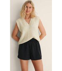 na-kd trend shorts med en loose fit och en midja med knytsnöre - black