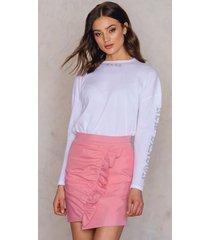 na-kd side frill mini skirt - pink