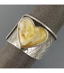serce z bursztynu - pierścionek