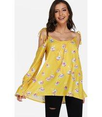 blusa amarilla con estampado de calicó con hombros descubiertos