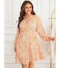 yoins plus talla fruncido con cuello en v zebra manga larga a rayas vestido