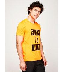 camiseta cuello redondo screen pecho