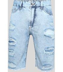 bermuda jeans masculina destroyed slim com bolsos azul claro