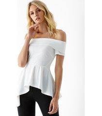 yoins blusa blanca con hombros descubiertos y fruncido