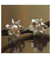 pearl button earrings, 'glorious flower' (peru)