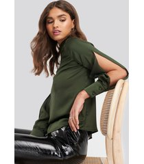 trendyol cut out sleeve blouse - green