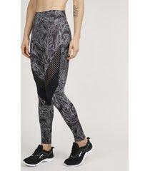 calça feminina legging esportiva ace estampada de folhagem com recortes preto