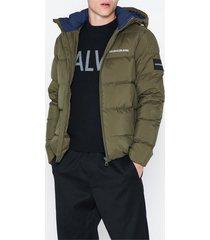 calvin klein jeans hooded down puffer jacket jackor oliv grön